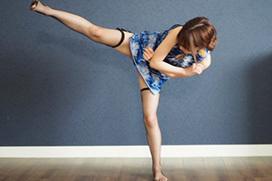 チラリと見える脚がエロいチャイナドレスの画像 part7