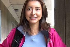 乳首立ってるUberEats配達員のマリア友(26)