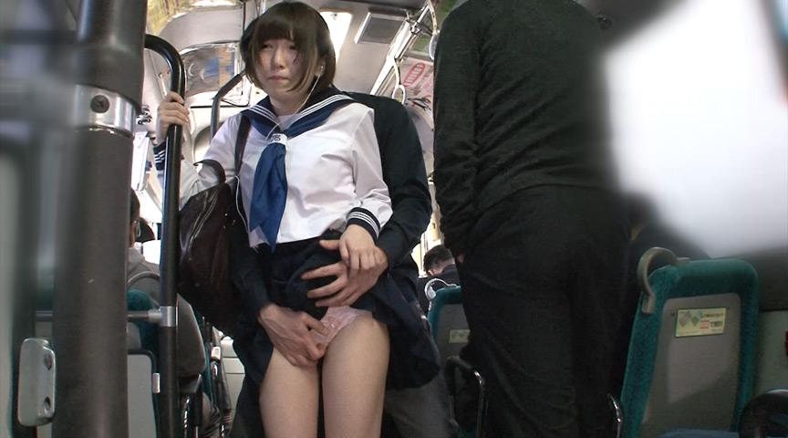 チカンされる女子校生