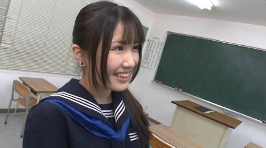 紺セーラーの女子校生