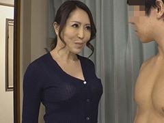 沢田麗奈 美魔女級の美しい四十路妻が夫の教え子の逞しい裸体に欲情し、痴女と化す!