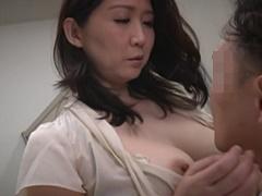 吉岡奈々子 ヤリマンの巨尻妻がマッサージ師を自宅に呼んでヤリまくる!