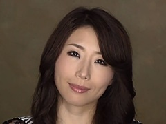 篠田あゆみ 三十路の巨乳美熟女がスケベが言葉で貴方を興奮させてくれる