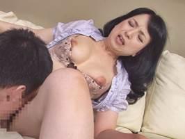 桐島秋子|四十路|忍び込んできた男に体を許す色情マダム