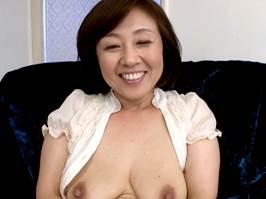【五十路】垂れた巨乳が柔らかそうな可憐なマダム