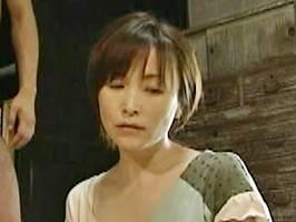 【ヘンリー塚本】畳の上でリアルレ○プされる色っぽい主婦