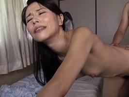 【四十路】息子にレ○プされてから虜になってしまった美人母。井上綾子