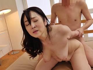 【六十路】久しぶりにSEXをしたら毎日したくなった性豪爆乳マダム。原田京子