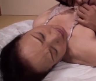高齢老女動画