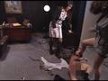 女王様上司に蹴られる新人社員のサムネイル画像3
