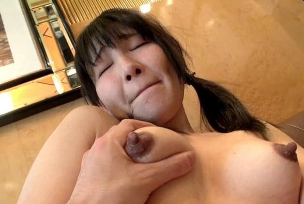 【浮気人妻】パイパンで童顔のアラサー熟女妻が赤の他人とだいしゅきホールドで中出し種付け不倫セックス