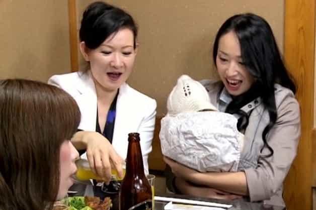 【同窓会NTR】同窓会に出席した出産したばかりの人妻が元カレと再会し母乳まみれの中出し寝取られ不倫