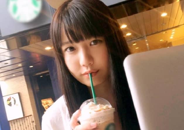 【素人女子大生】顔も身体も幼い黒髪美少女JDをカフェでナンパして口説き落としハメ撮り《小高里保》