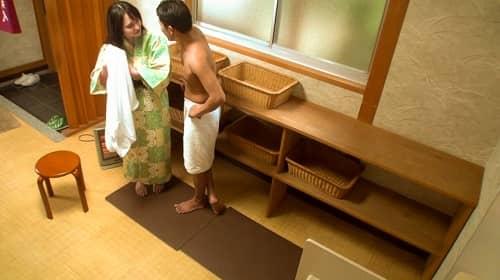 【NTR温泉】僕にはもったいないくらい可愛いくて美肌な彼女が見ず知らずの男とHをしたらどんな表情をしてヤルのか見てみたい 新垣智江