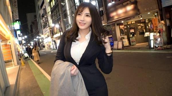 【素人ナンパ】170cmの高身長でモデル顔負けの顔とスタイルを誇るムッチリ肉感の美人OLを口説き着衣SEX