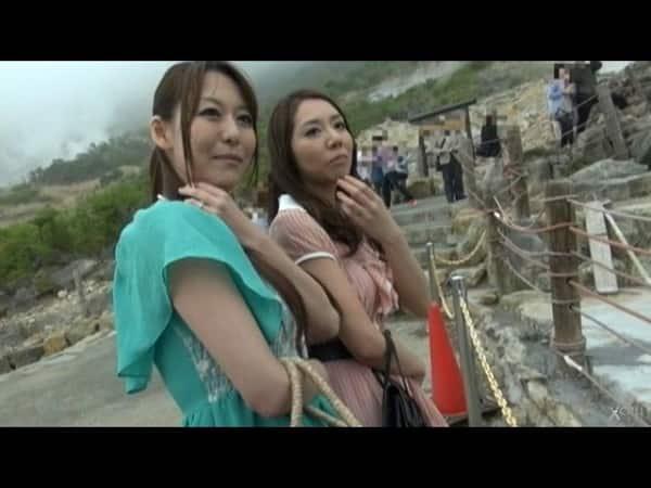 【人妻ナンパ】箱根の温泉に2人旅してる素人妻を捕獲し浮気ハメ撮り!潮吹きまくる不倫妻《朝桐光/佐伯春菜》