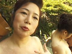 【無修正】露天付き旅館で熟女と3P 波純子 木村美津子