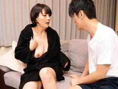 ダイスキ!人妻熟女動画 :五十路義母の欲求不満がバレて娘婿とデキてしまい濃厚セックス! 円城ひとみ
