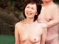 ダイスキ!人妻熟女動画 :長年寄り添ってきた還暦超えの熟年夫婦が仲良く温泉旅行で昔のようにまぐわうオムニバス