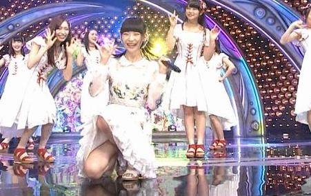 NGT48荻野由佳がセクシーパンチラでお色気むんむんになってきたな・・・