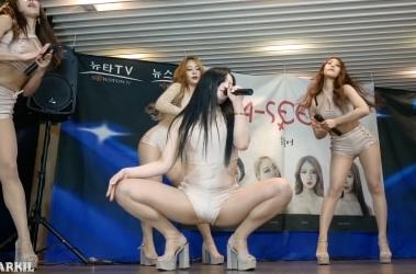 韓国ガールズグループがまんこ見えまくりで風俗面接かと思ったwwww