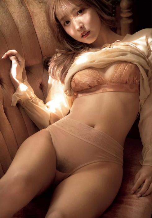 三上悠亜のエロヌード画像