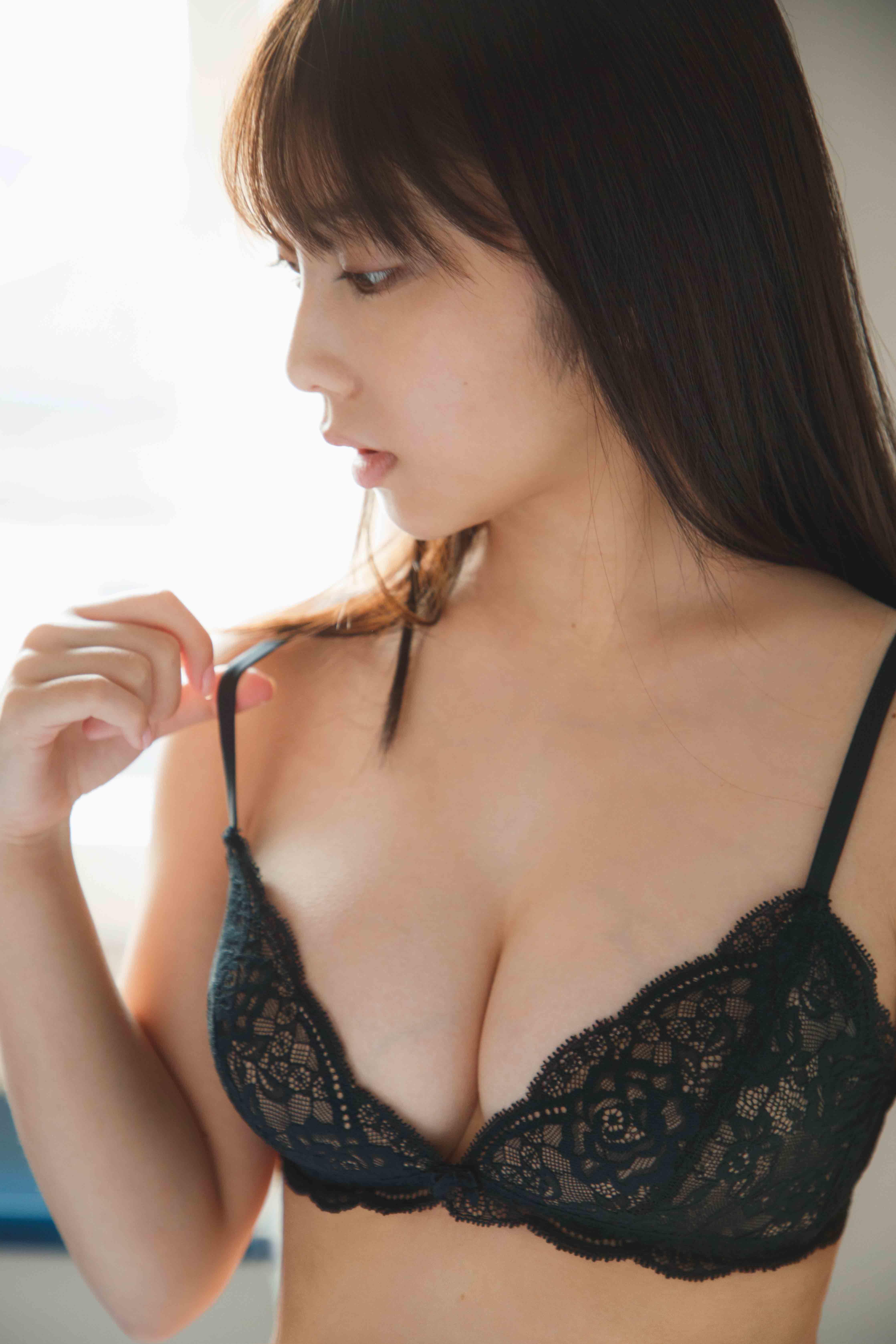 与田祐希のエロ画像