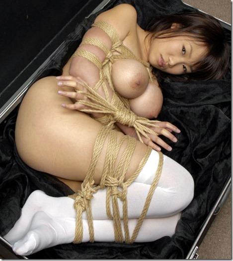 こんな妻の姿が見たい!。全裸よりヌケる着エロ緊縛画像07
