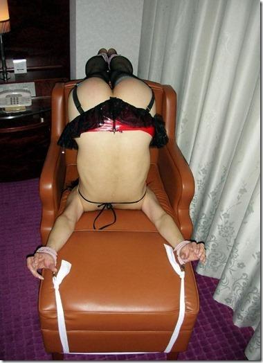 こんな妻の姿が見たい!。全裸よりヌケる着エロ緊縛画像14