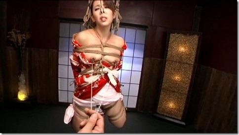 こんな妻の姿が見たい!。全裸よりヌケる着エロ緊縛画像15