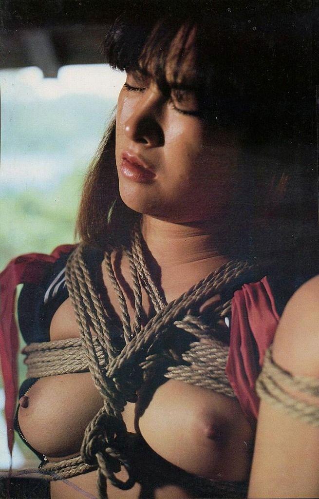 まだピチピチな若い躰を拘束して自由に躾けられる幸せなエロ画像(45枚)01