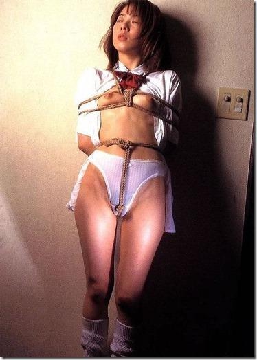 こんな妻の姿が見たい!。全裸よりヌケる着エロ緊縛画像28