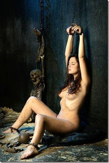 神々しい程に芸術的な牝奴隷の姿に猛々しくオッキしてしまう男達の性を見抜く画像40枚14