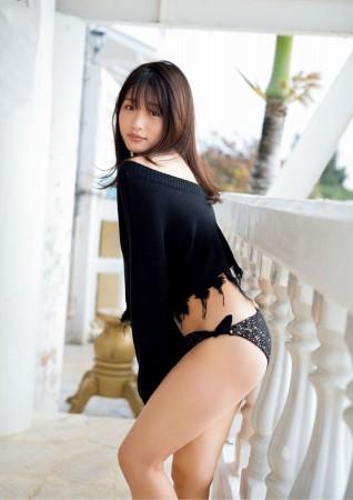 石田桃香の画像024