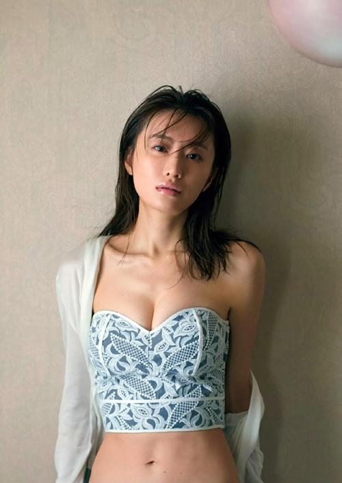 『妖怪シェアハウス』でいい味出してる女優の松本まりか のセクシー画像www