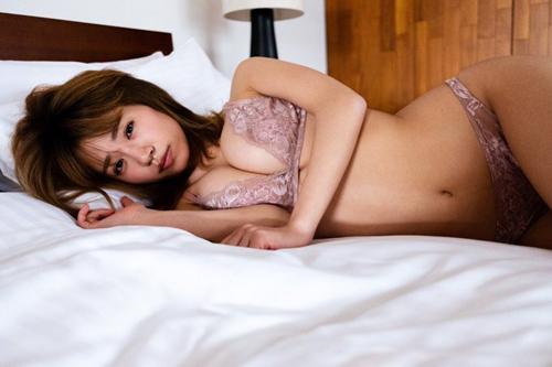 グラドル菜乃花「SNSの過激写真、グラビアが安くみられるよ」藤田恵名「落ち目のグラドルが先輩面するな!」
