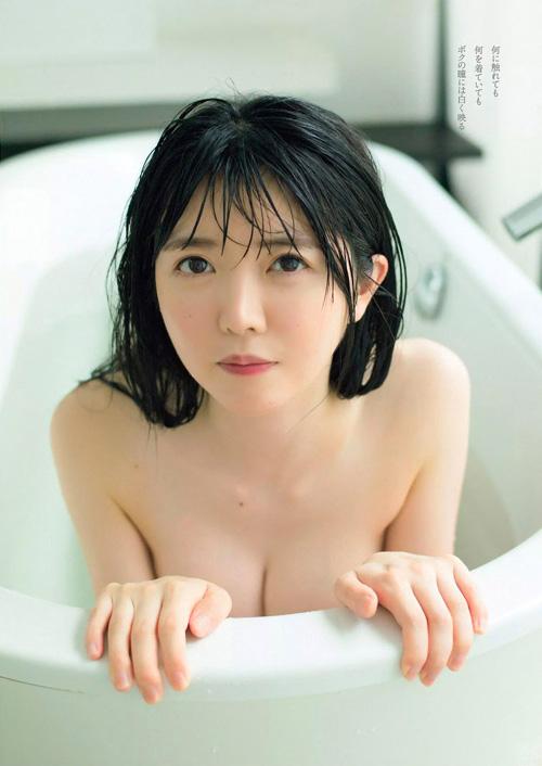 真っ白なキャンバス小野寺梓が純白水着で美乳解禁