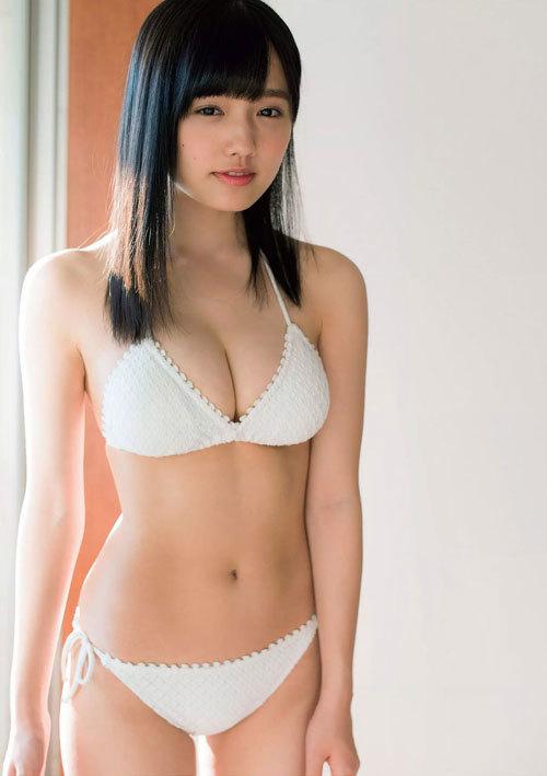 安藤咲桜オタク巨乳美少女のおっぱいの谷間61