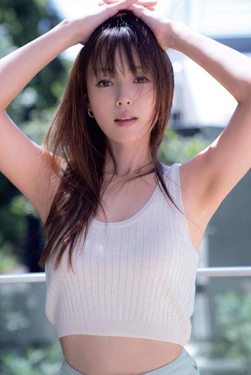 深田恭子さんの美乳おっぱいとお尻が素敵過ぎ8