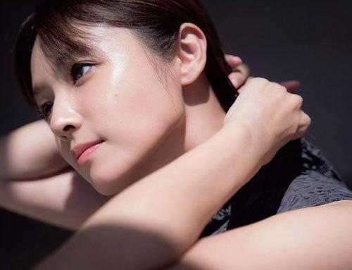 深田恭子さんの美乳おっぱいとお尻が素敵過ぎ12