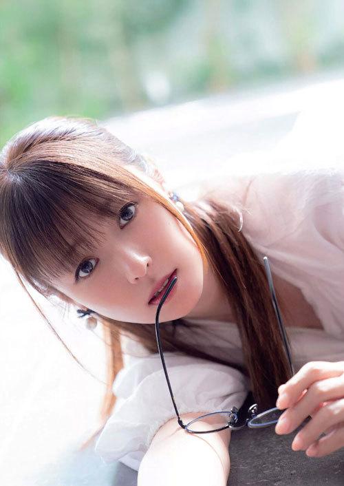 深田恭子さんの美乳おっぱいとお尻が素敵過ぎ14