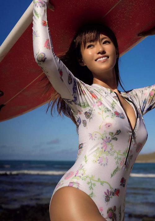 深田恭子さんの美乳おっぱいとお尻が素敵過ぎ22