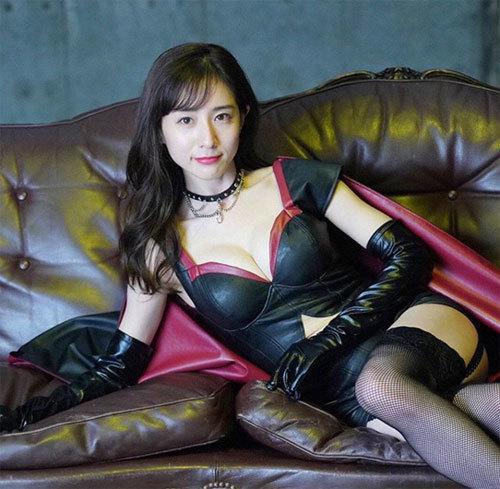【悲報】田中みな実、女優転身もやってること結局、乳見せる仕事・・・・・