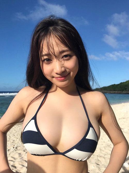 青井春さん、はるかぜ.から改名しておっぱいはJカップに54