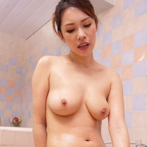 上山奈々さん 熟れた巨乳おっぱいで奉仕する妖艶な美女の極上テクを堪能