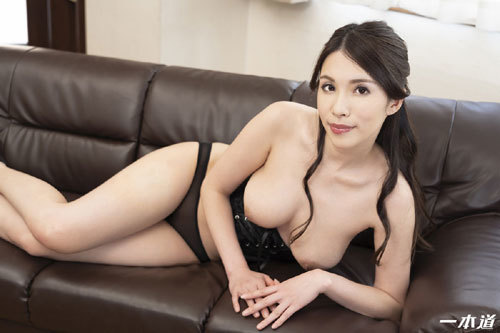 上山奈々Fカップ巨乳おっぱい24
