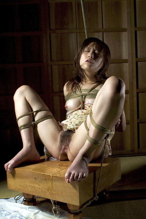 おっぱいを縛りあげて緊縛したいマゾお姉さん30