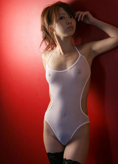 おっぱいが透け透けで乳首や乳輪が見えて興奮20