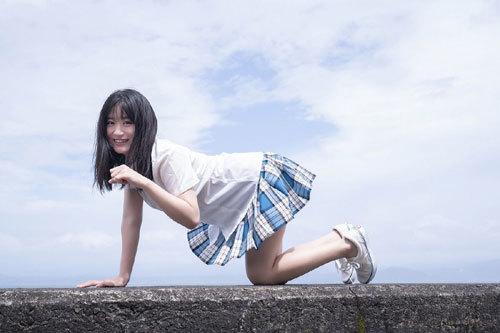 NNMB48上西怜のおっぱいハミ出そうな巨乳水着12