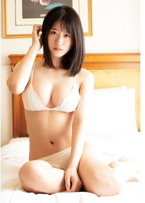 NNMB48上西怜のおっぱいハミ出そうな巨乳水着21